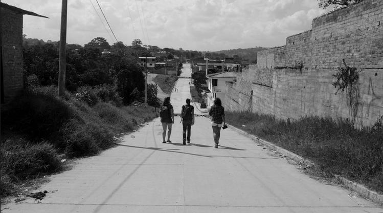 Me, Jasmine and Melanie walking through San Agustín.